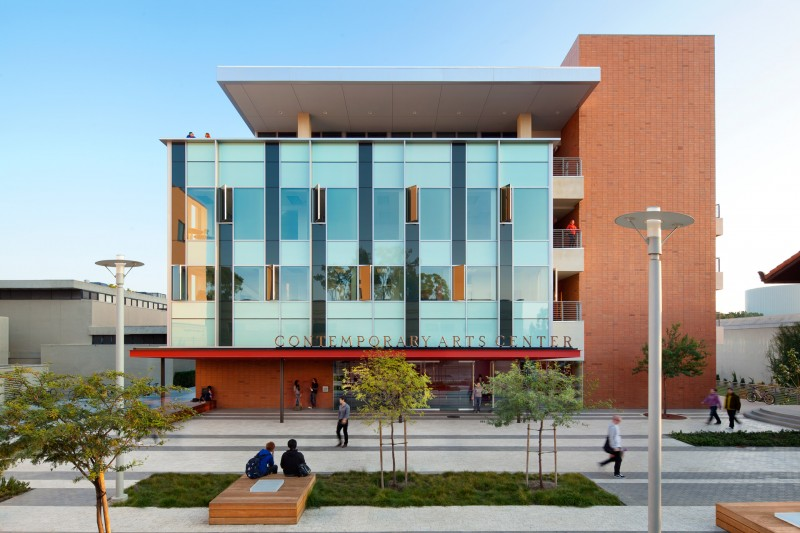 The Winning Entry In A Design Build Competition, This 55,000 Square Foot  Contemporary Arts Center Is Finely Attuned To Its Southern California  Climate And ...